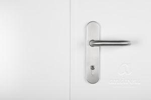accessoire poignée sur plaque inox porte métallique Andreu 130048