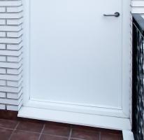 accesorio marco cerrado puerta metalica batiente andreu
