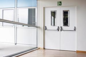 hospital sureste puerta metalica cortafuegos mirilla antipanico andreu 160074