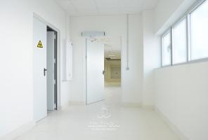 hospital puerta metalica batiente multiusos rayosx andreu 160001