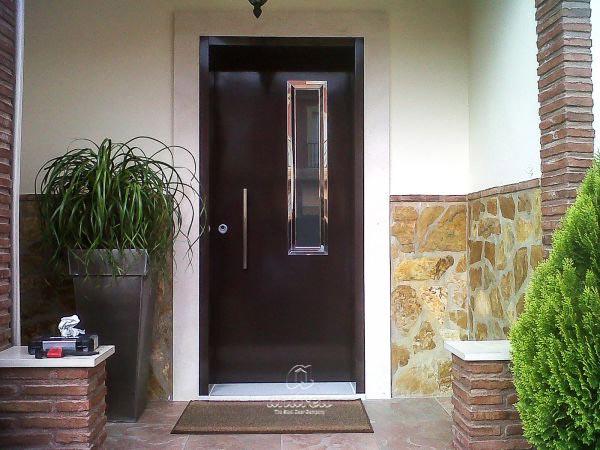 Portes métalliques Résidentielle Modèle Versate