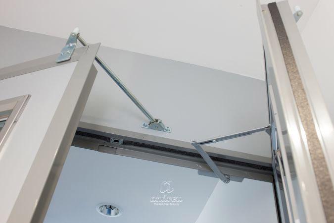 Door Selector & Accesories for meter doors and fire doors. Steel doors Andreu