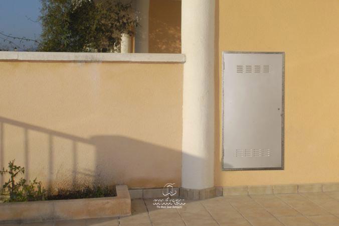 Puertas metálicas  Modelo Registros compañia multiusos. Puertas metálicas en acero Andreu