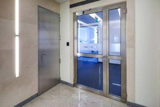 edificio oficinas hortus varsovia puerta metalica batiente cortafuegos andreu