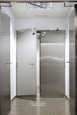 hospital tarrasa puerta metalica batiente cortafuegos andreu