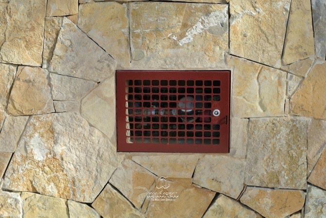 vivienda puerta metalica batiente multiusos registro portilla agua micro andreu
