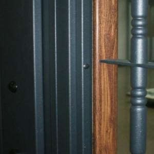 Puerta Residencial Bi-Color: Adaptación total a los diferentes entornos de la vivienda